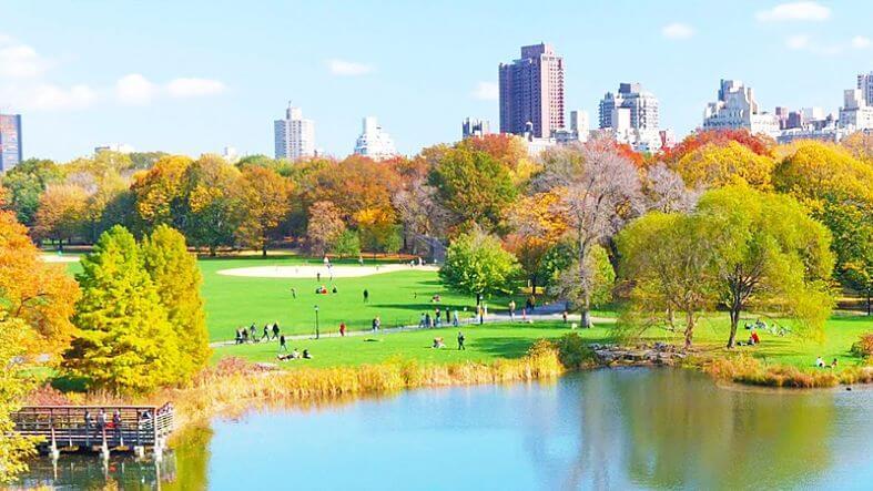 parque com lago de Manhattan