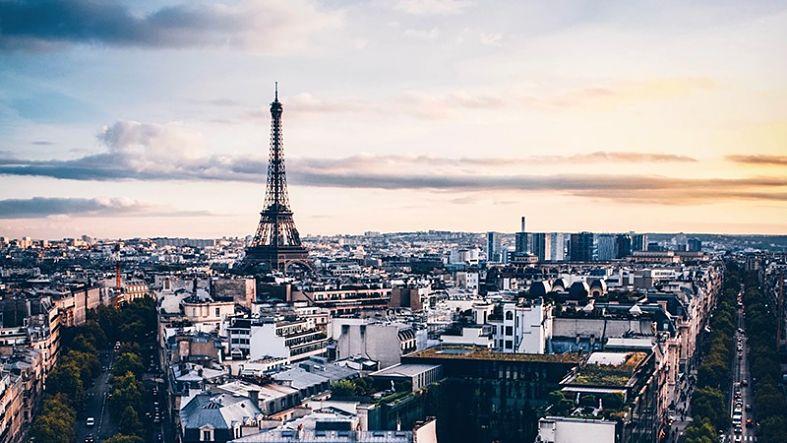 visão da torre eiffel de paris